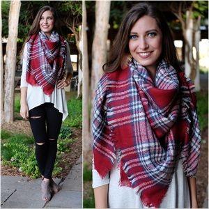 ✨RESTOCKED✨Red/navy plaid blanket scarf